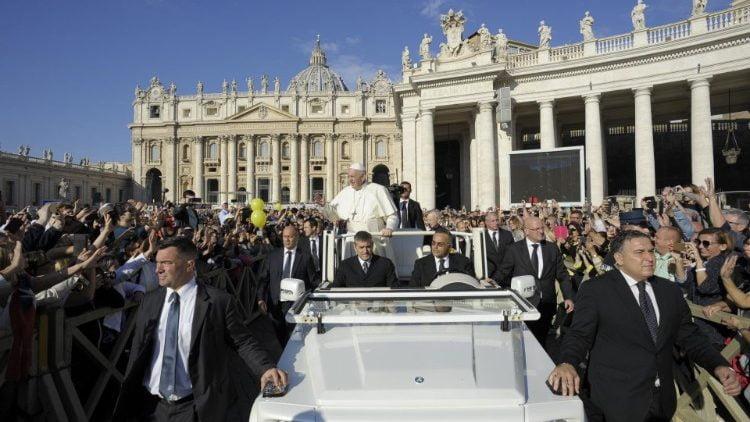 Paus Fransiskus-110918.jpeg