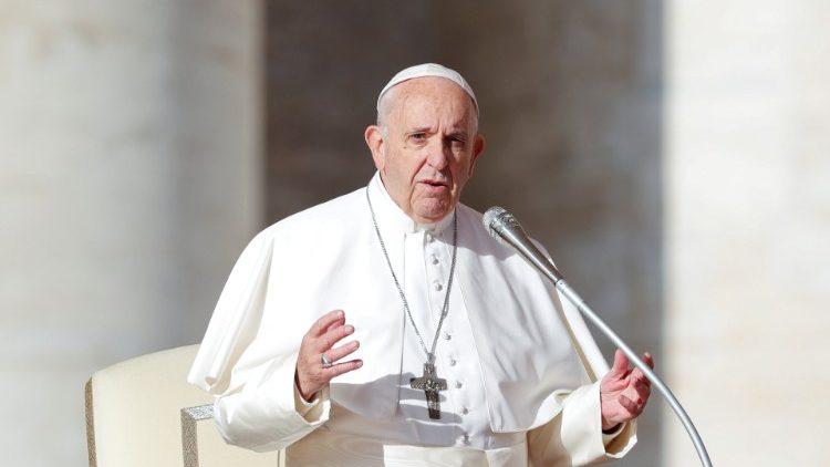 Paus Fransiskus ke UEA-1.jpeg
