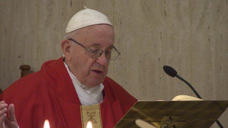 Paus Fransiskus- santa marta-1.jpeg
