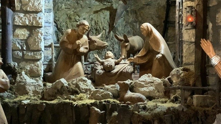 [Image: Paus-Farnsiskus-nativity-scene-in-the-He...tuary.jpeg]